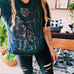 Vintage wolf cactus moon graphic cropped tee p4